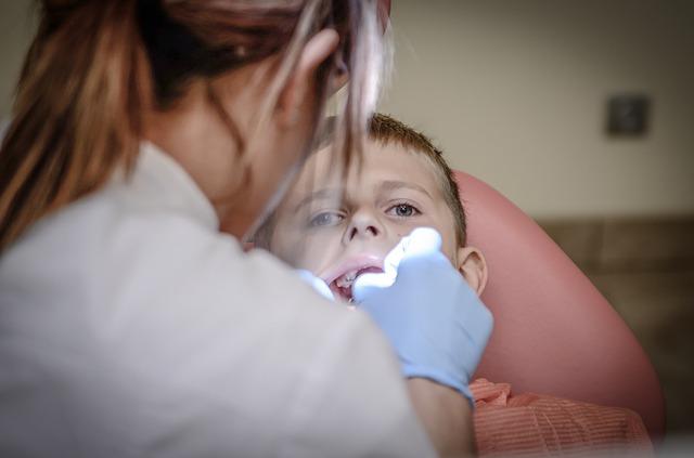 dentist-428647_640